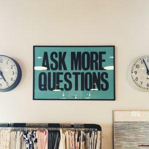 het stellen van vragen